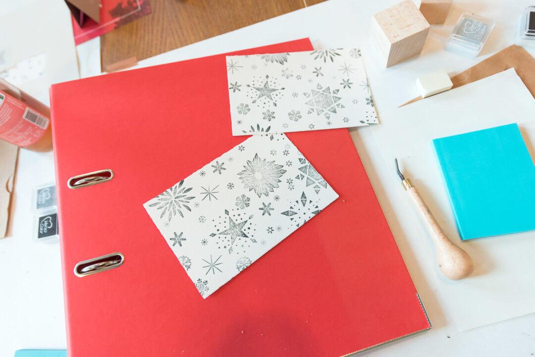 diy zur weihnachtszeit mit diyviking 3 geschenkpapier selber gestalten und stempel selber. Black Bedroom Furniture Sets. Home Design Ideas